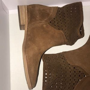 MICHAEL KORS SUEDE ANKLE BOOTS WORN ONCE.